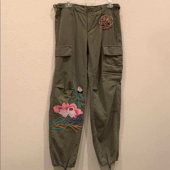 bdcfccbc0e63 Da-Nang Pants - Da-Nang Embroidered Cargo Pants Size M
